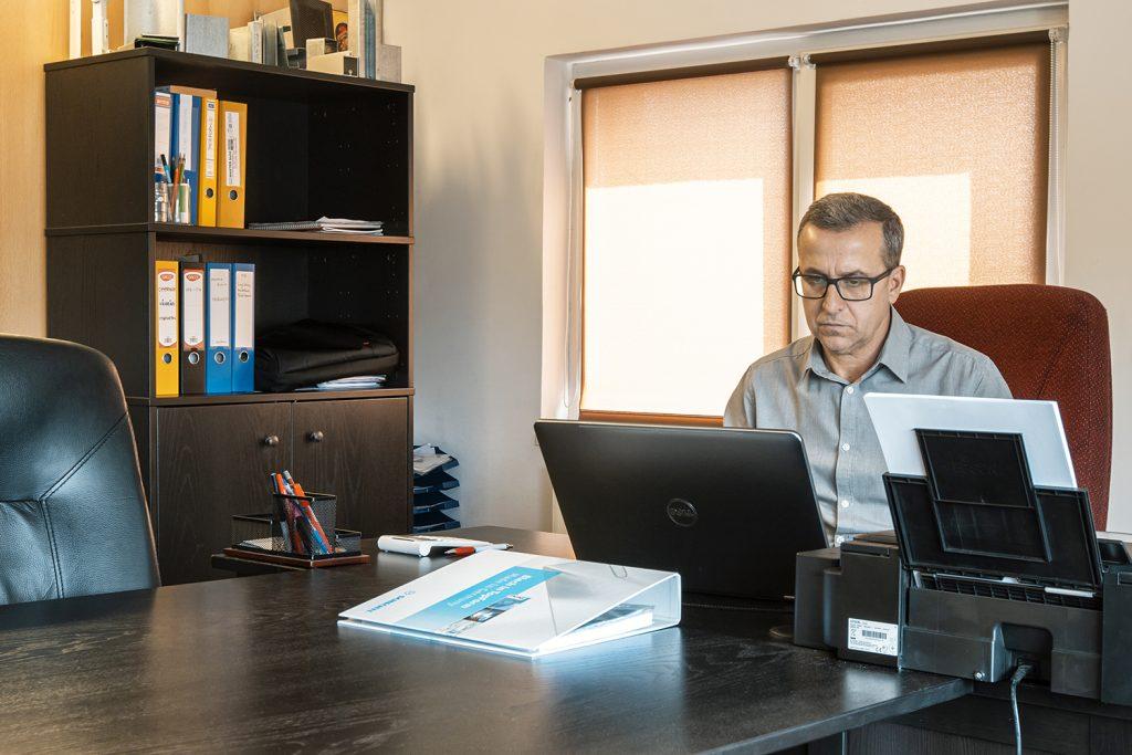O conducere performanta ne asigura de faptul ca putem oferi clientului in mod eficient preturi accesibile la tabla si tigla metalica in Pitesti si Bucuresti
